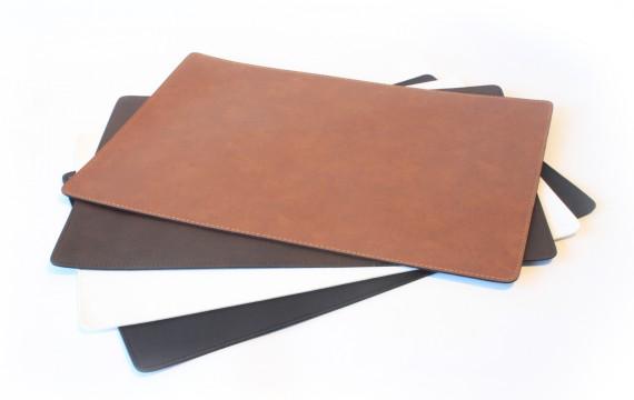 Leather Place Mat / แผ่นรองจานหนัง